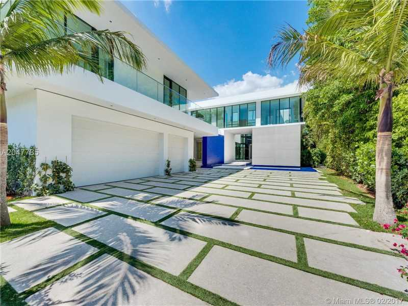 Miami beach homes for sale the character of the architecture for Modern architecture homes for sale